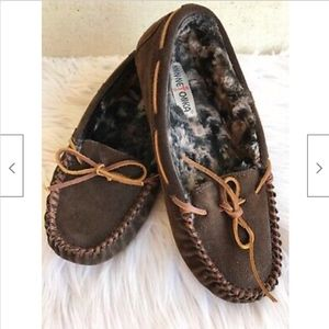 Minnetonka Slippers Shoes Suede Faux Fur Lined